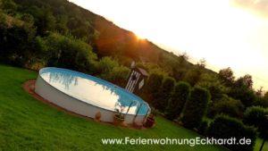 Ferienwohnung Solling - Ferienwohnung Weserbergland - Ausblick ins Grüne mit großem Pool